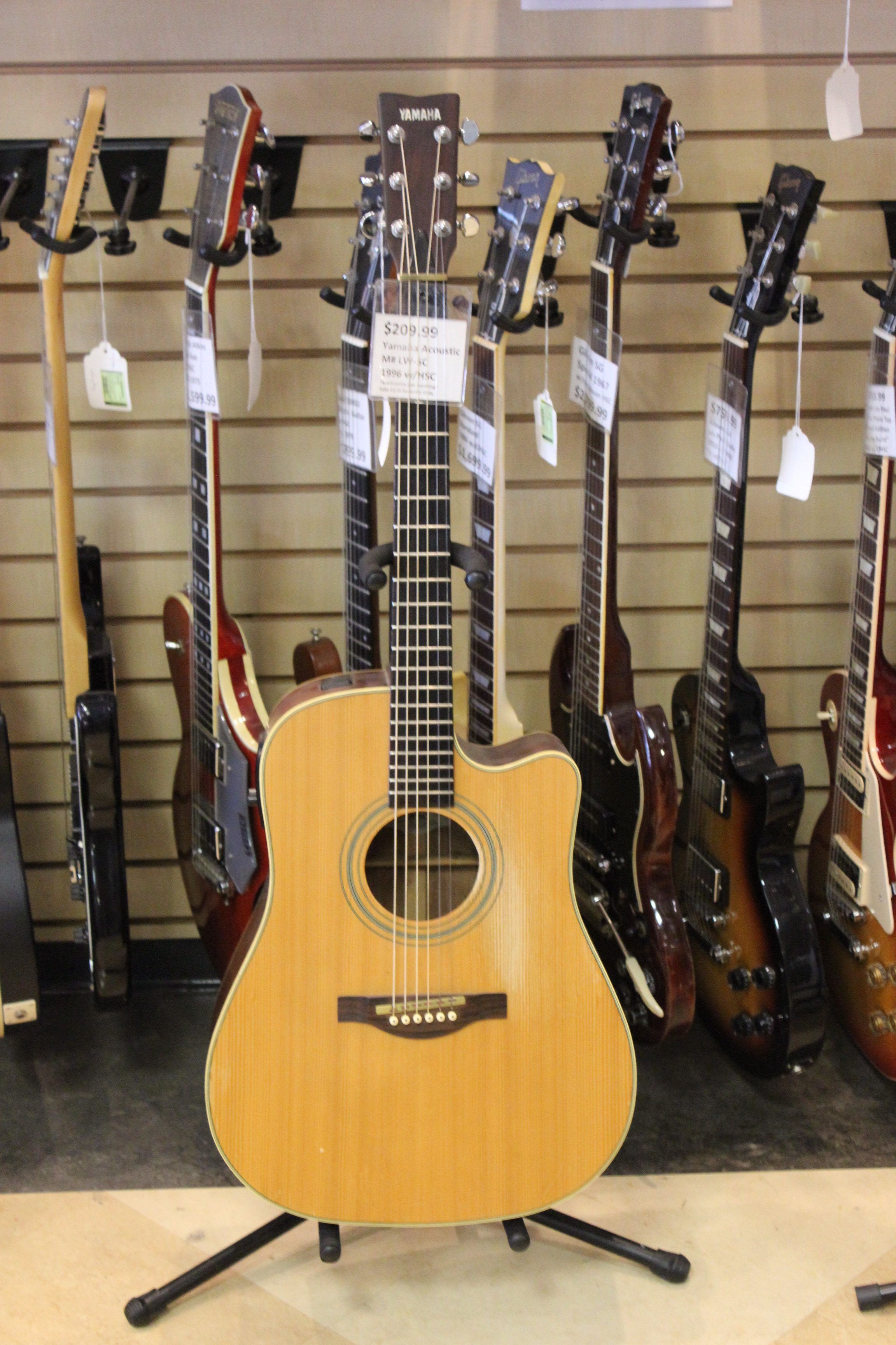 yamaha lw 5c acoustic guitar 1996 used ted 39 s pawn shop. Black Bedroom Furniture Sets. Home Design Ideas