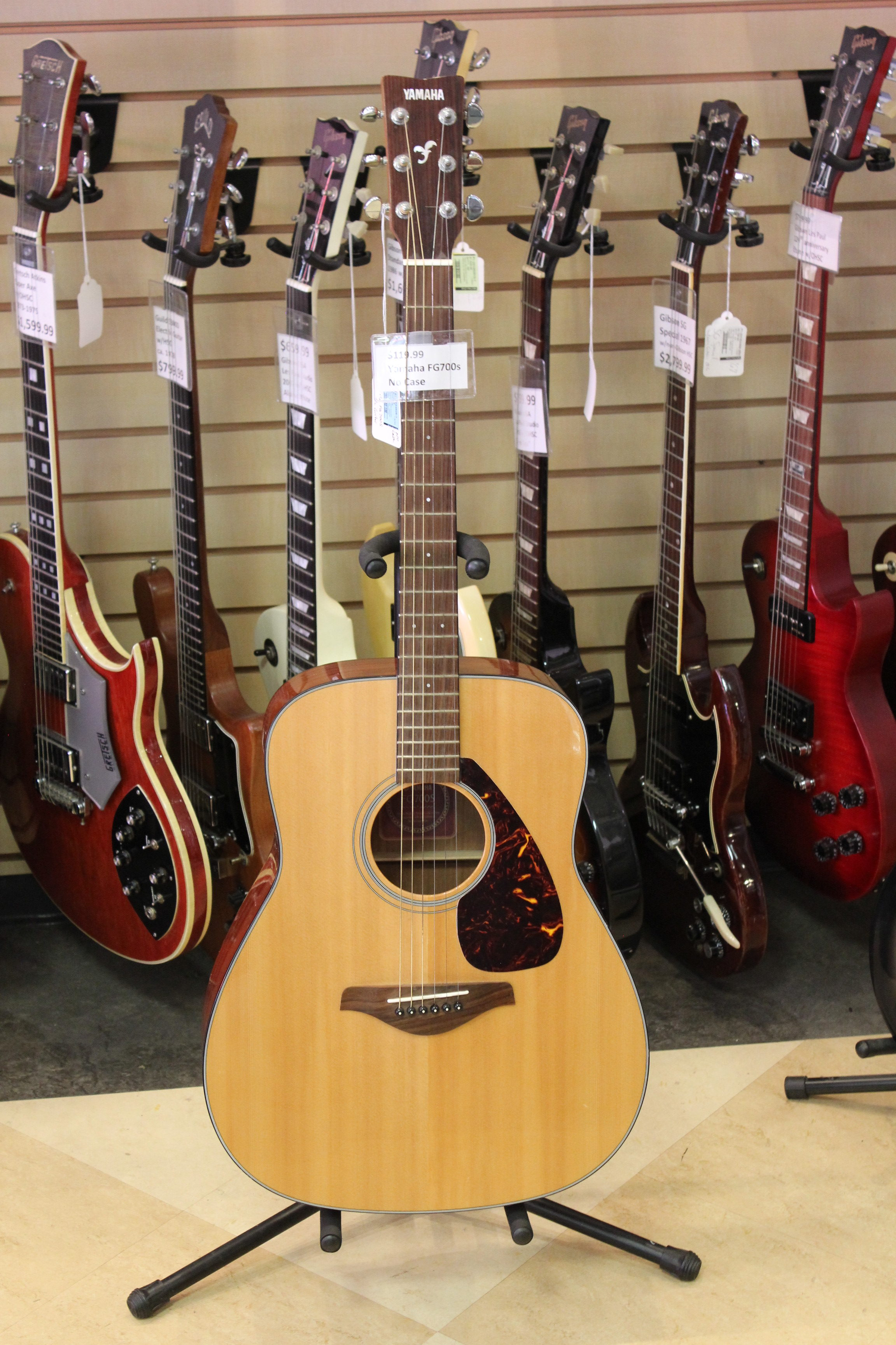 yamaha fg700s acoustic guitar used ted 39 s pawn shop. Black Bedroom Furniture Sets. Home Design Ideas